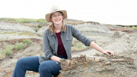 Woman on trip to dig up dinosaurs