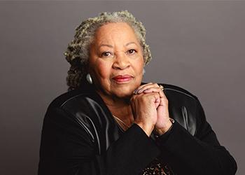 Photo portrait of Toni Morrison