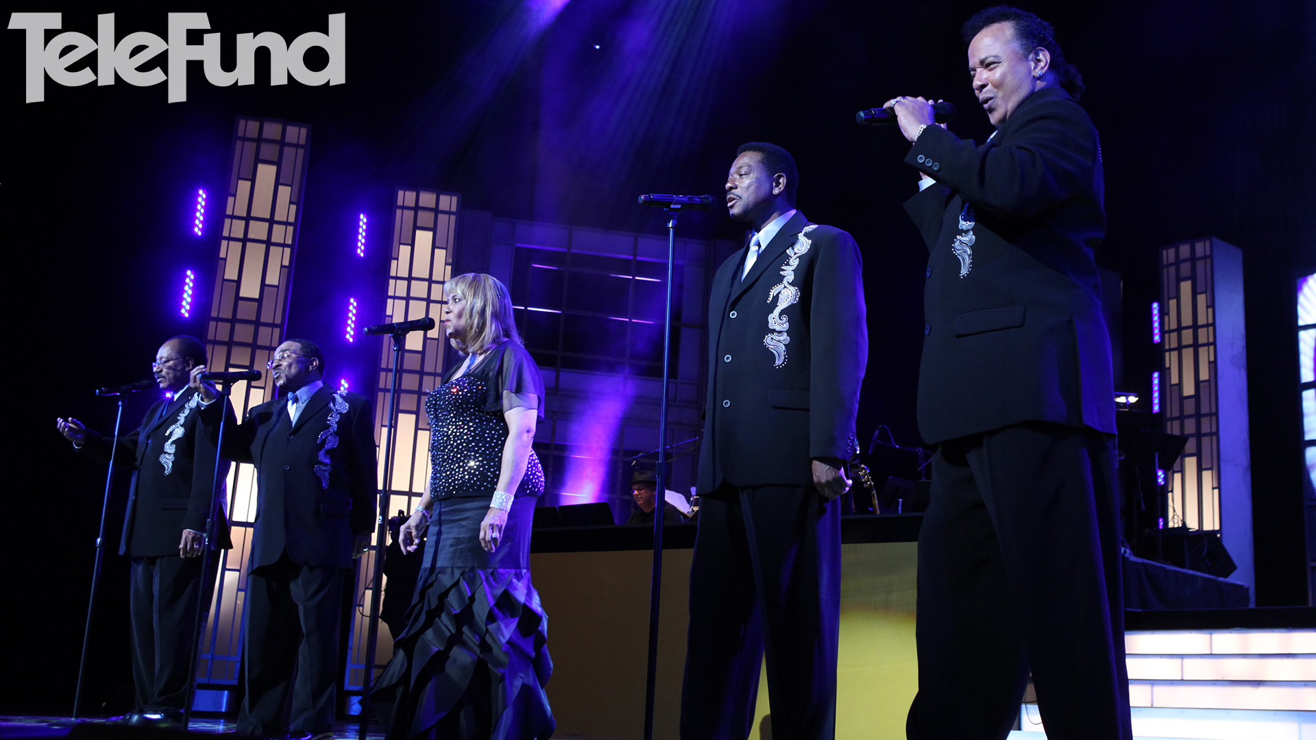 """Beloved Motown singing group The Miracles perform """"Ooo Baby Baby"""" in concert"""