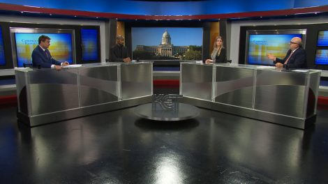Bill Bryant and journalists discuss the week's news on Comment on Kentucky.