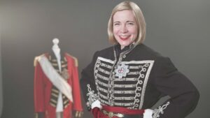 Lucy Worsley dressed as George IV.