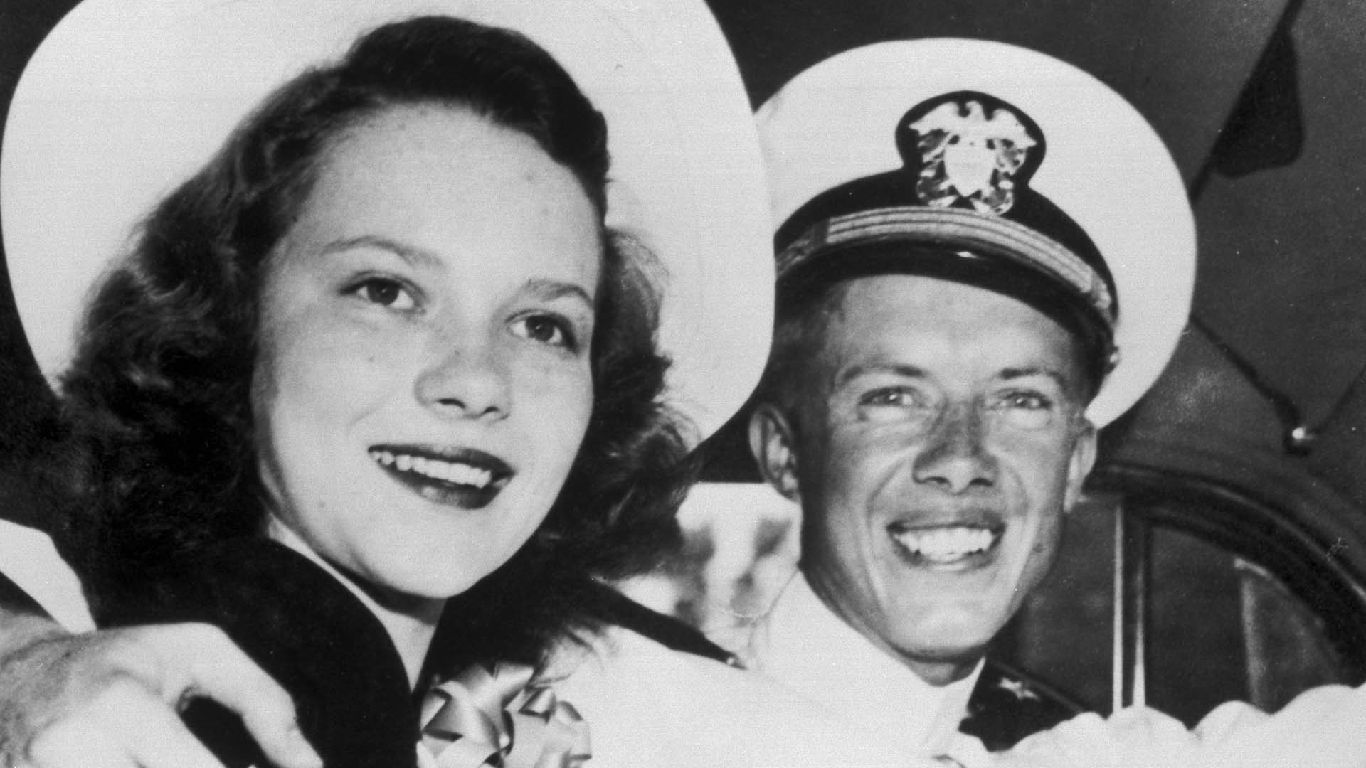 A black and white photo of a young Rosalynn and Jimmy Carter in the 1940s